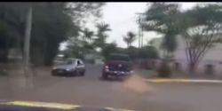 Suspeito de fazer família refém para roubar caminhonete é preso após perseguição em rodovia; VÍDEO