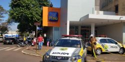 Homem é preso após invadir banco e render segurança em Campo Mourão